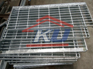 Steel Grating Murah Ready Stock Galvanis Hotdeep Bergerigi Open End Surabaya