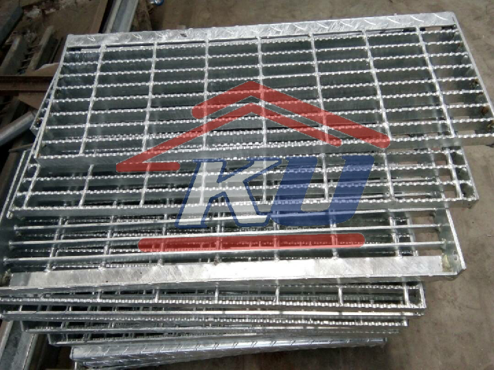 DISTRIBUTOR STEEL GRATING MURAH SURABAYA